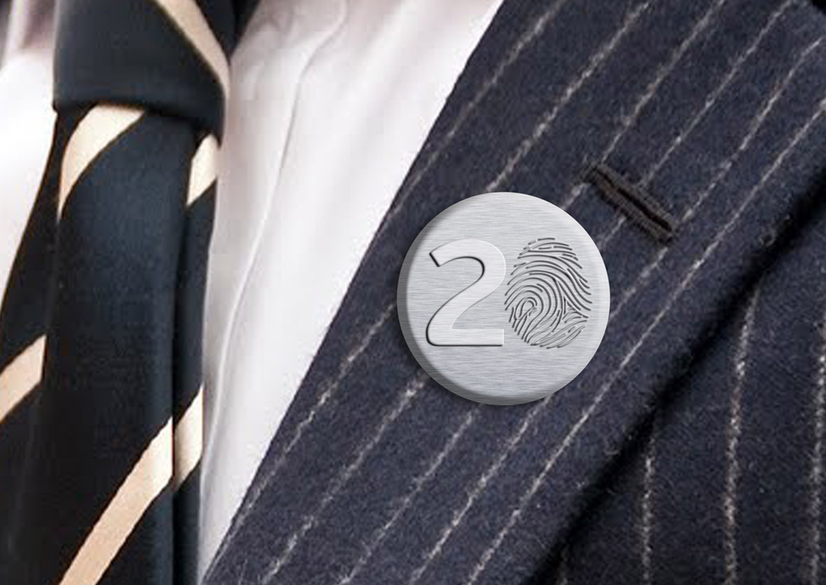 austral pin promotional 20 ani portofoliu inoveo