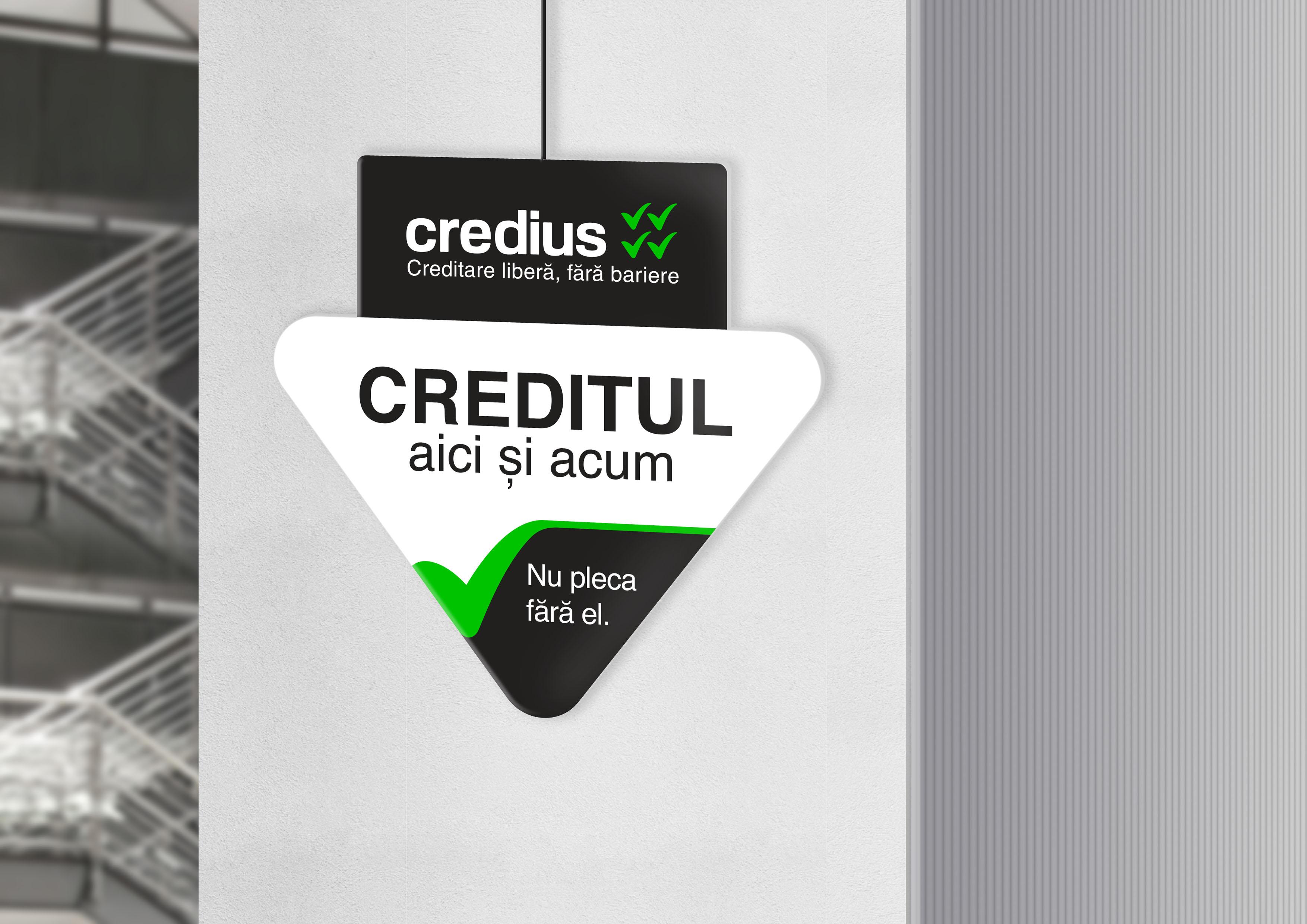 credius branding triunghi interior