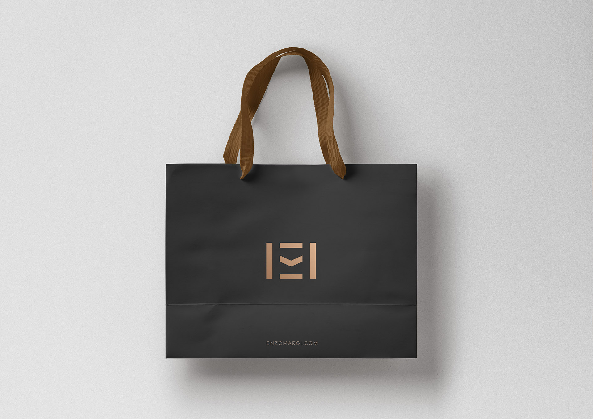 enzo margi portfoliu inoveo paper bag